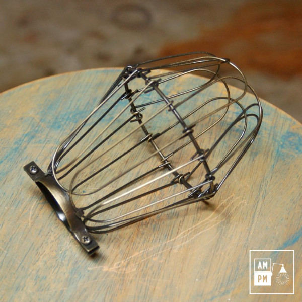 cages-legeres-acier-bronze-antique-lampe-suspendue-portable