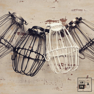 cages-legeres-acier-lampe-suspendue-portable-collection