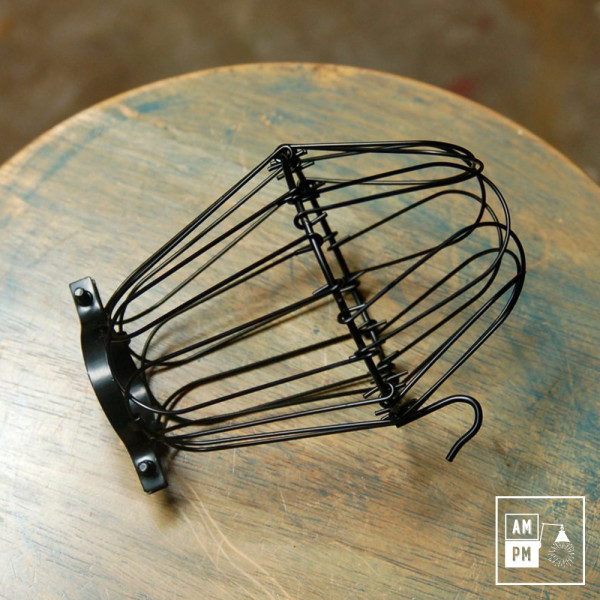 cages-legeres-acier-noir-lampe-suspendue-portable
