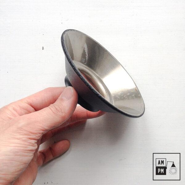 petit-abat-jour-cône-vintage-métal-biseauté-noir-texture-4