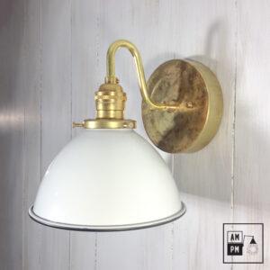 Lampe murale rustique/industrielle avec dôme blanc