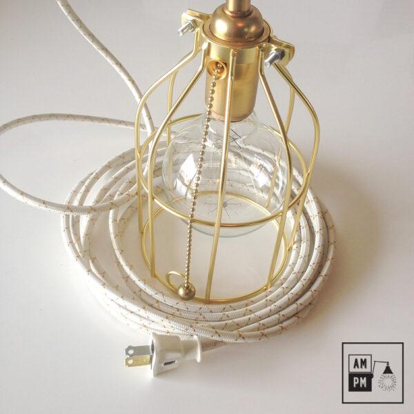 Lampe-de-table-doree-gold-suspendue-industrielle-A2P07