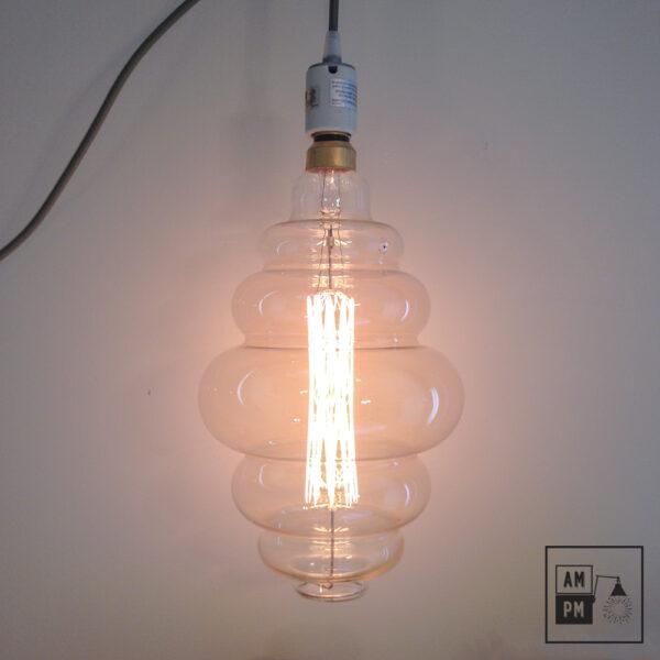 ampoules-antique-gigantesque-ruche-grand-nostalgics-bulb-huge-1