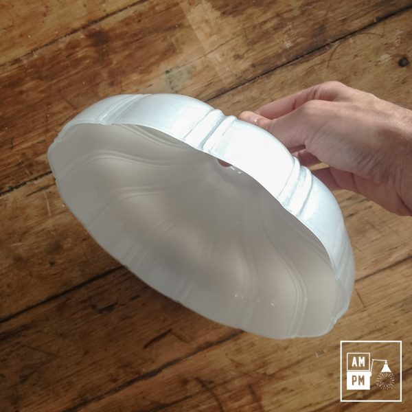 abat-jour-petticoat-verre-opaline-blanc-2