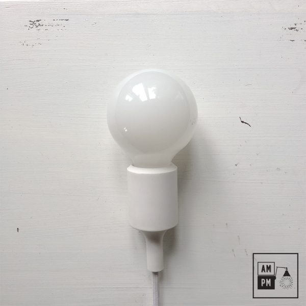 ampoules-antique-style-globe-blanc-laiteux-G25
