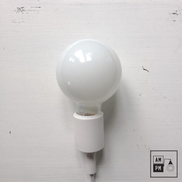 ampoules-antique-style-globe-blanc-laiteux-G30-1