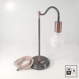 lampe-de-table-acier-antique-cuivree-A2P10