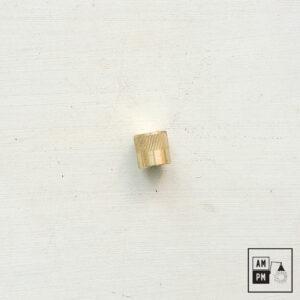 capuchon-decoratif-cylindrique-dentele-laiton