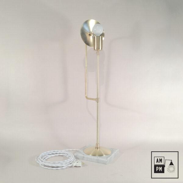 lampe-sur-table-klimt-collection-mid-century-laiton-satellite-A3K47