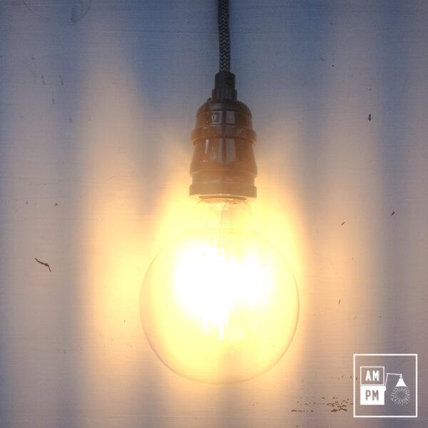 ampoule-antique-Edison-Style-globe-G30-DEL-ambre-1