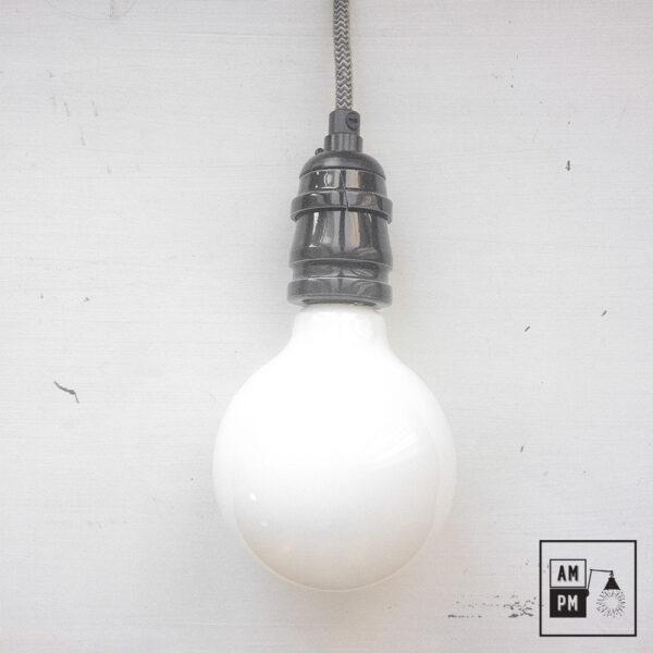 ampoule-antique-Edison-Style-globe-G30-DEL-blanc