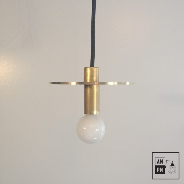 Lampe-suspendue-minimaliste-moderne-avec-disque-plat-laiton-brut-A3S50