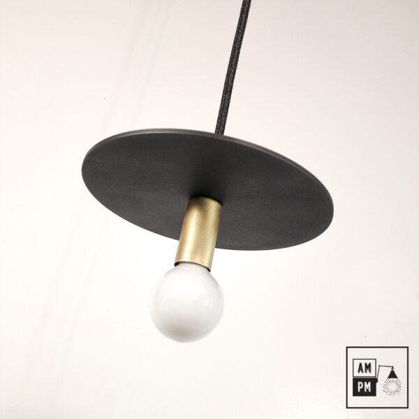 Lampe-suspendue-minimaliste-moderne-avec-disque-plat-noire-laiton-brosse-A3S50-1