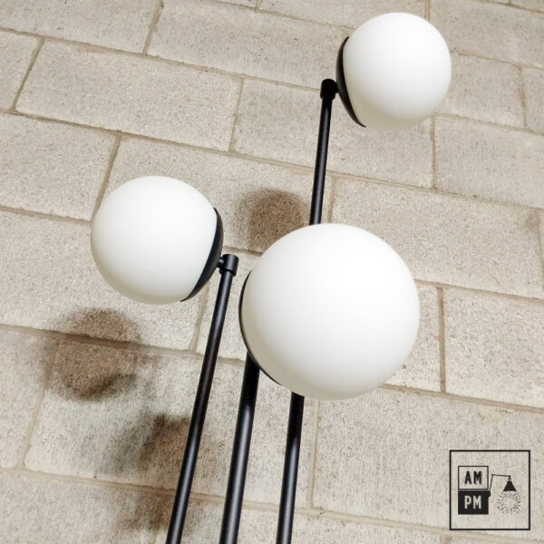 Lampe-sur-pied-mid-century-anthere-A5P18-1